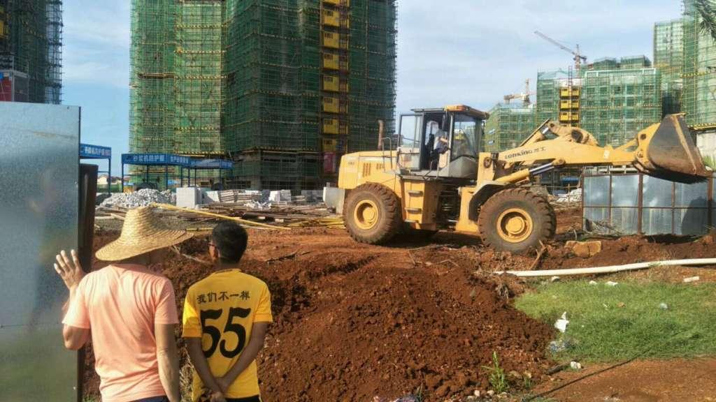 海南小区园路施工